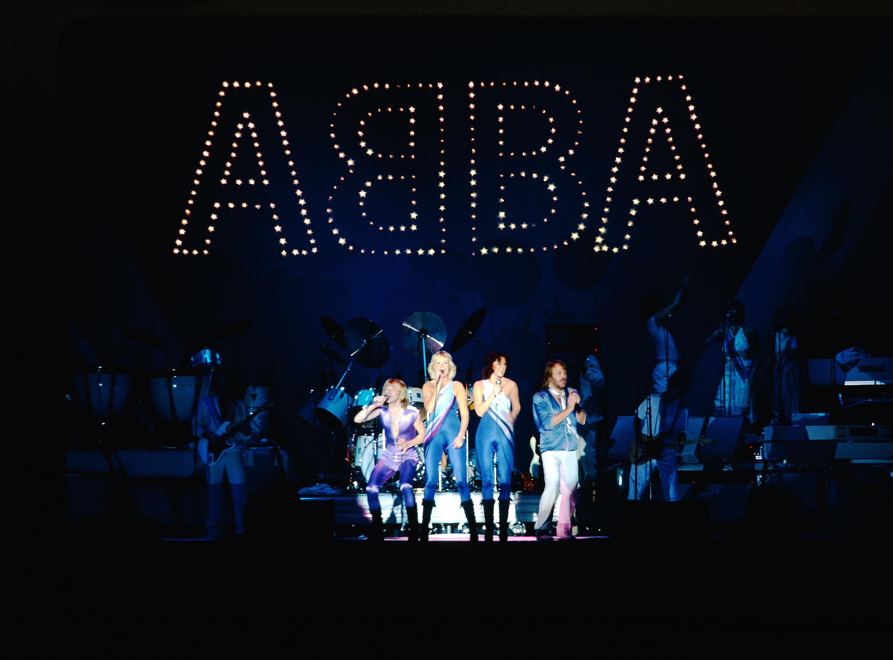 abba 40 år ABBA fyller 40 år: Feires med boklansering, plateslipp og  abba 40 år