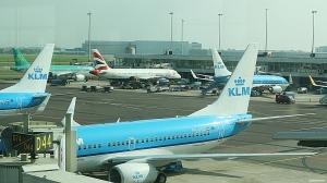 """KLM`s Boeing 737-fly på """"hovedbasen"""" Schiphol (foto: ©otoerres)"""