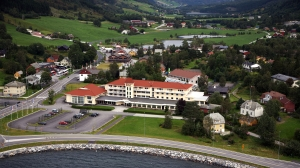 Skei Hotell skifter navn til Thon Hotel Jølster (TH)