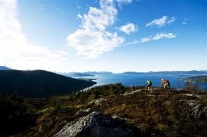 På sykkeltur ved Åndalsnes (innovasjonnorge.no)