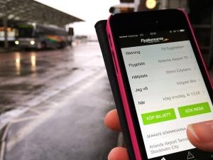 Flygbussarna har lanserat en ny app för att göra resan till flygplatsen ännu enklare. Den nya Flygbussappen innehåller ett flertal nya funktioner som kortbetalning, möjlighet att registrera bonuspoäng och aktuell trafikinformation. (flygbusserna)