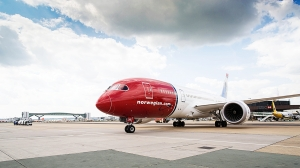 Norwegian's 787 Dreamliner på London Gatwick ( Steve Bates)