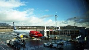 """Norwegian har fire Boeing 737-800 maskiner i """"opplag"""" på Trondheim lufthavn Værnes (©otoerres)"""
